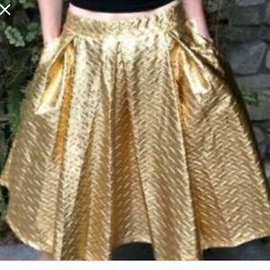 Lularoe Madison GoldSkirt never worn size small